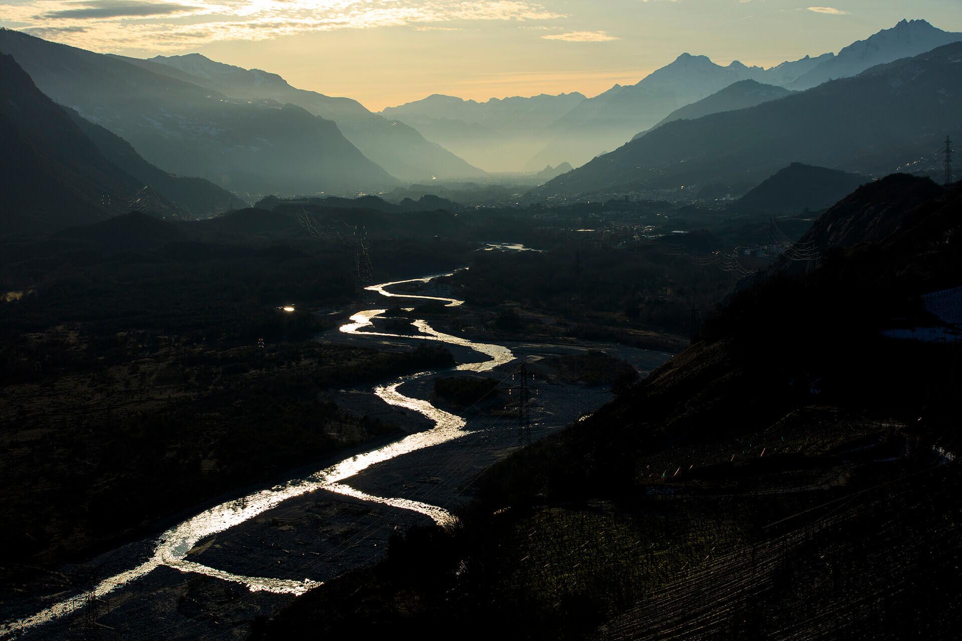 Le fleuve Rhône, Km 78 Canton du Valais, Varen, Sierre et Sion