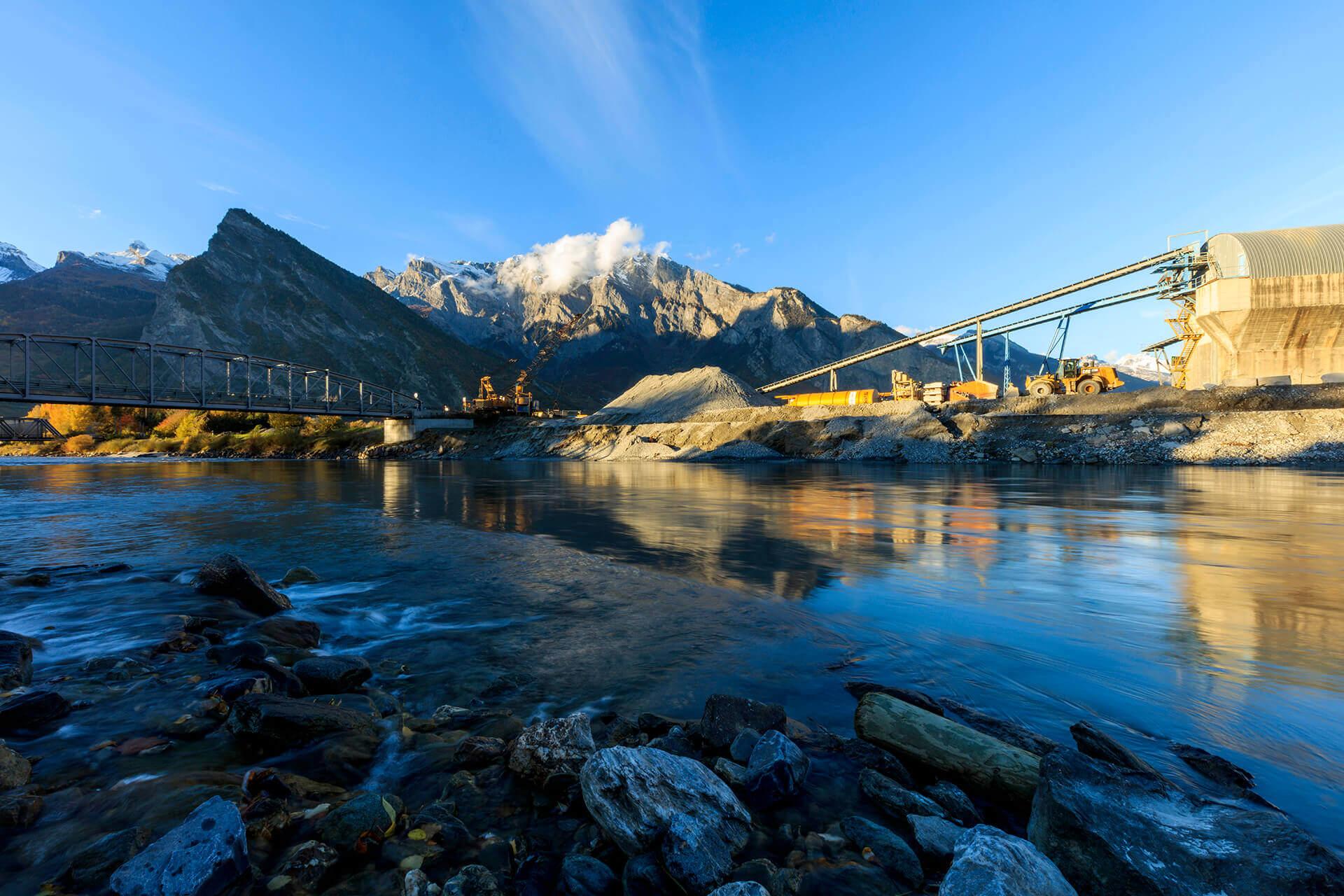 Le fleuve Rhône, Km 113 Canton du Valais, Riddes, gravière