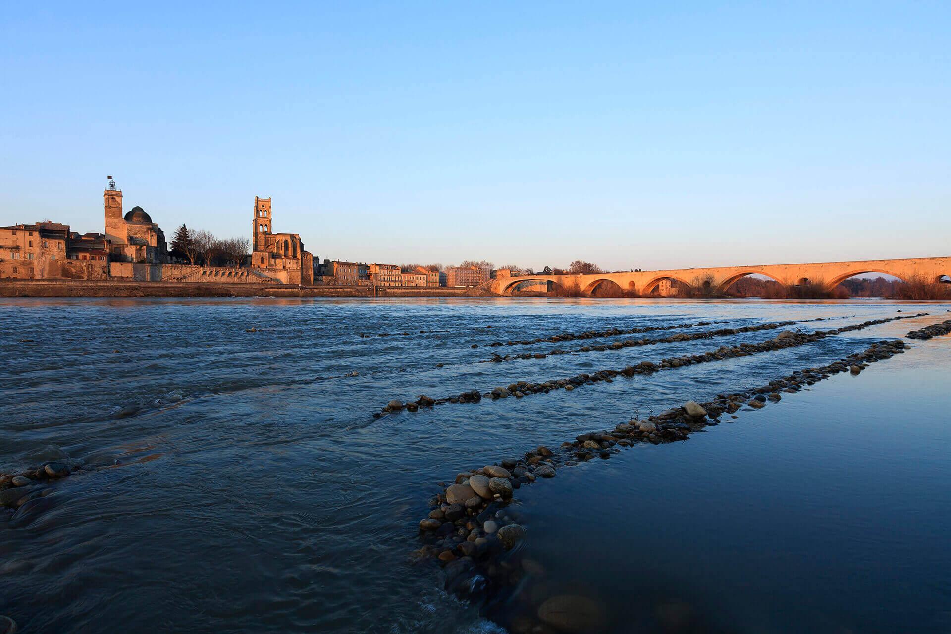Le fleuve Rhône, Km 637 Gard, Pont-Saint-Esprit, le vieux Rhône