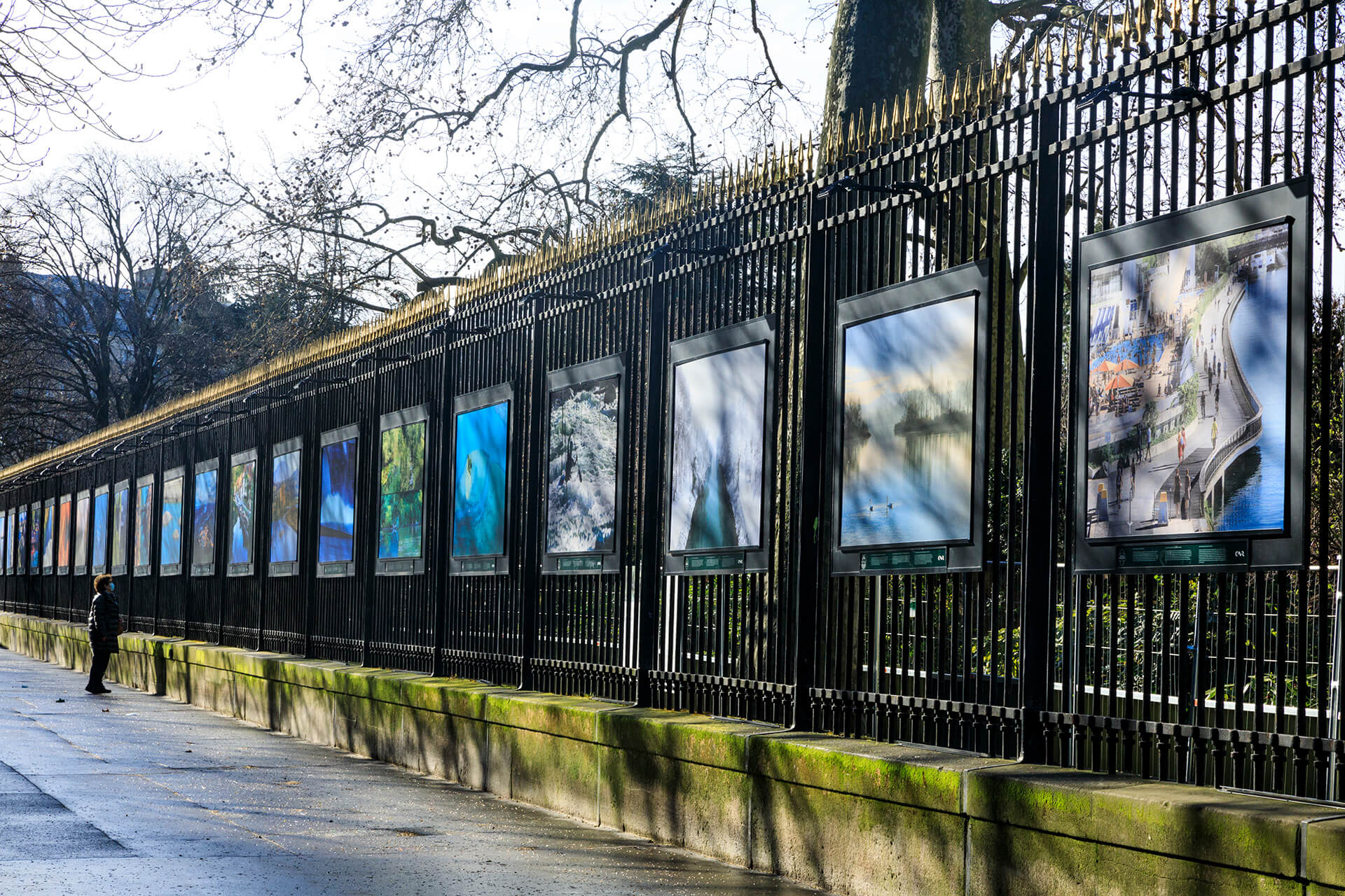 """Exposition """"Visages du Rhône"""" de Camille Moirenc, jardin du Luxembourg, Paris."""